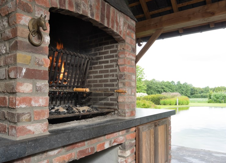 Barbecues (2)
